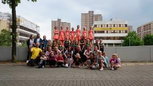 Tanzgruppen mit Trainer Denis Hanisch